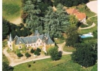 Château de Bussolles 'bird's eye view'