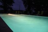 Zwembad bij lichtval